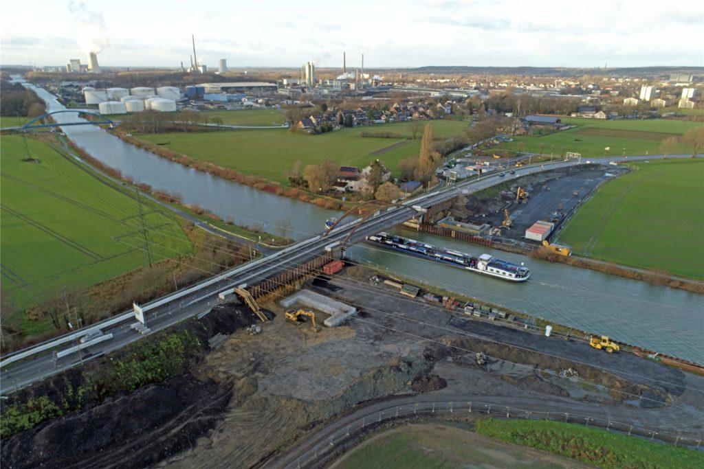 Ein Blick auf die Baustelle Gahmener Straße aus der Luft von Dienstag (12.1.).