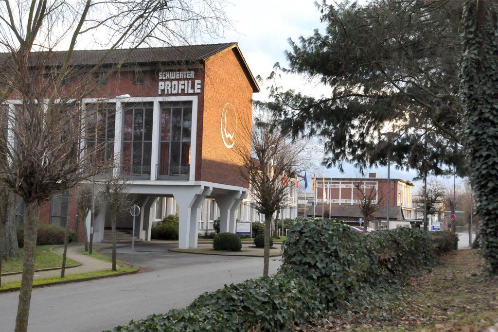 Das Verwaltungsgebäude an der Eisenindustriestraße will der künftige Betreiber des Walzwerks nicht nutzen.