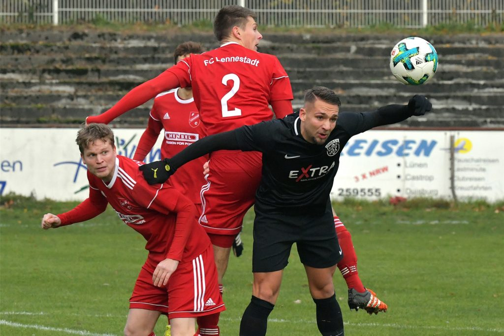 Johannes Zottl (r.), hier noch im Dress des Lüner SV, spielt seit Januar 2020 beim SV Lippstadt.