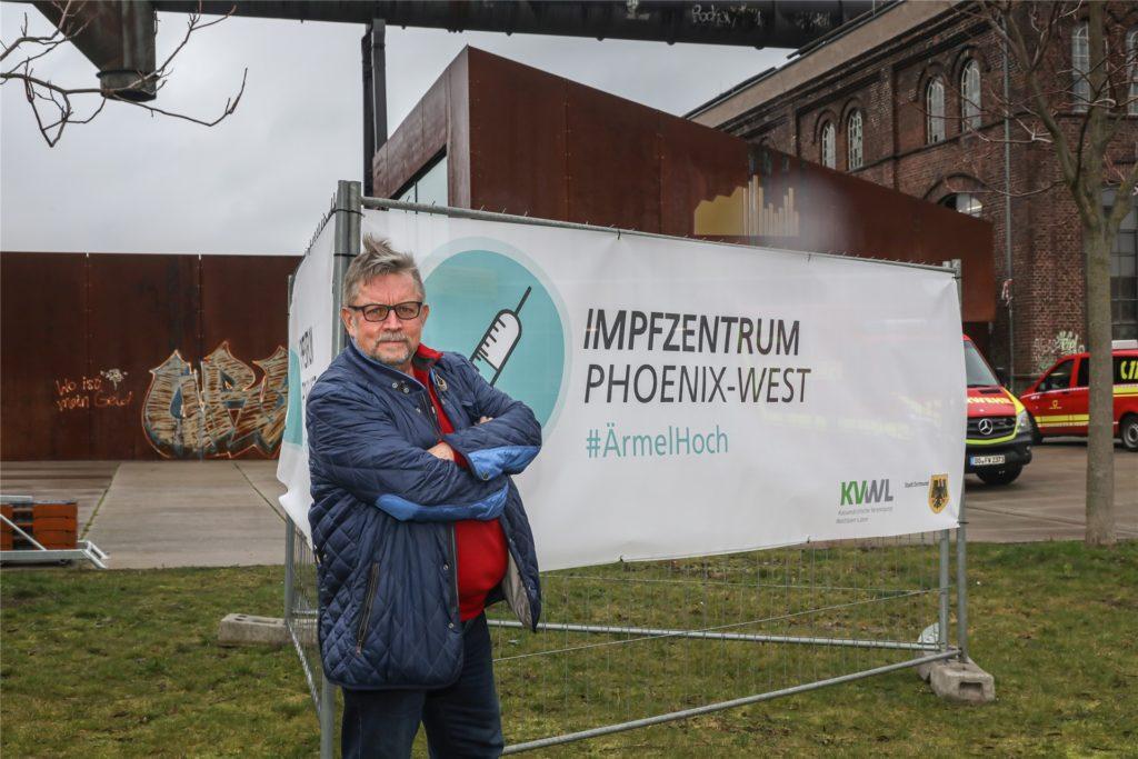 Dr. Reinhard Büker koordiniert die Corona-Impfungen in Dortmund.