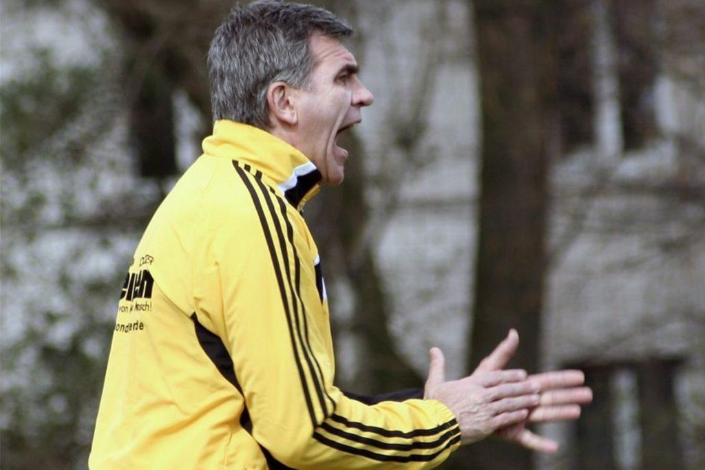 Heinrich Wolff ist seit Jahrzehnten im Fußball unterwegs und hat dabei auch ehemalige Profis auf ihrem Weg begleitet.