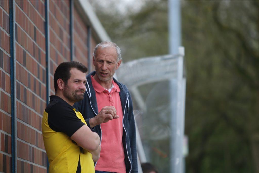 Fabrizio Pate (l.) und Reinhard Behlert bleiben auch über die Saison hinaus ein Trainergespann.