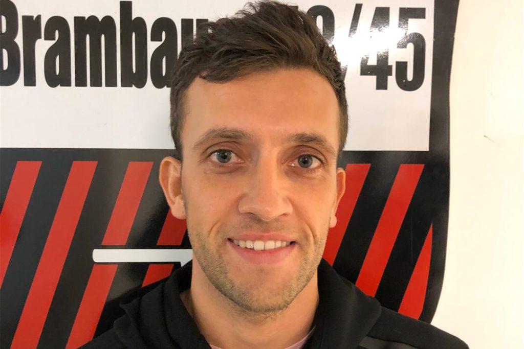 Anfang 2020 präsentierte der BVB den Mittelfeldspieler als einen seiner Neuzugänge.