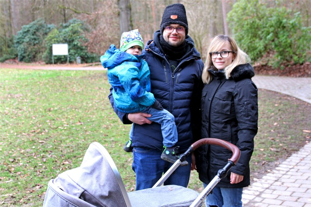 Sarah und Benjamin Huhn sind mit ihren Söhnen diesmal in der Bittermark unterwegs. Im Dortmunder Westen, ihrer Heimat, ist es nämlich mindestens ebenso voll.