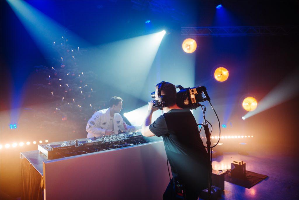 Auch DJ Fabian Farell hat das Streamstudio schon genutzt.