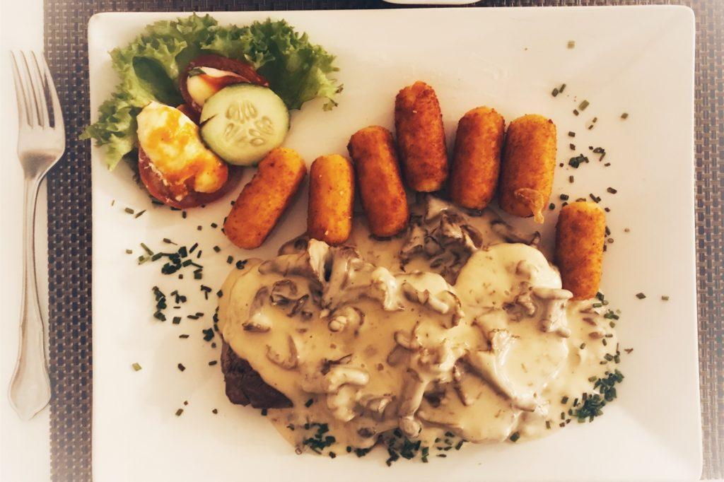 Beim Restaurant-Check gefiel im Heidekrug das Rinderfilet in Pfifferling-Rahmsoße besonders.