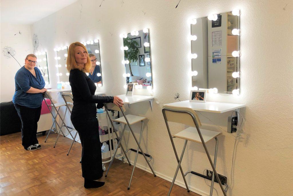 Die Make-up-Schule befindet sich in Mel Draegers Eigenheim, deshalb fallen keine Miet- und Betriebskosten an.