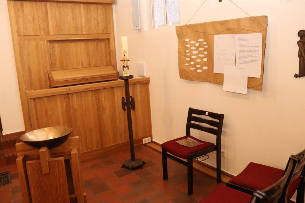 In dem Bereich zwischen Orgel und Taufstein soll der Ort für Tauferinnerungen entstehen.