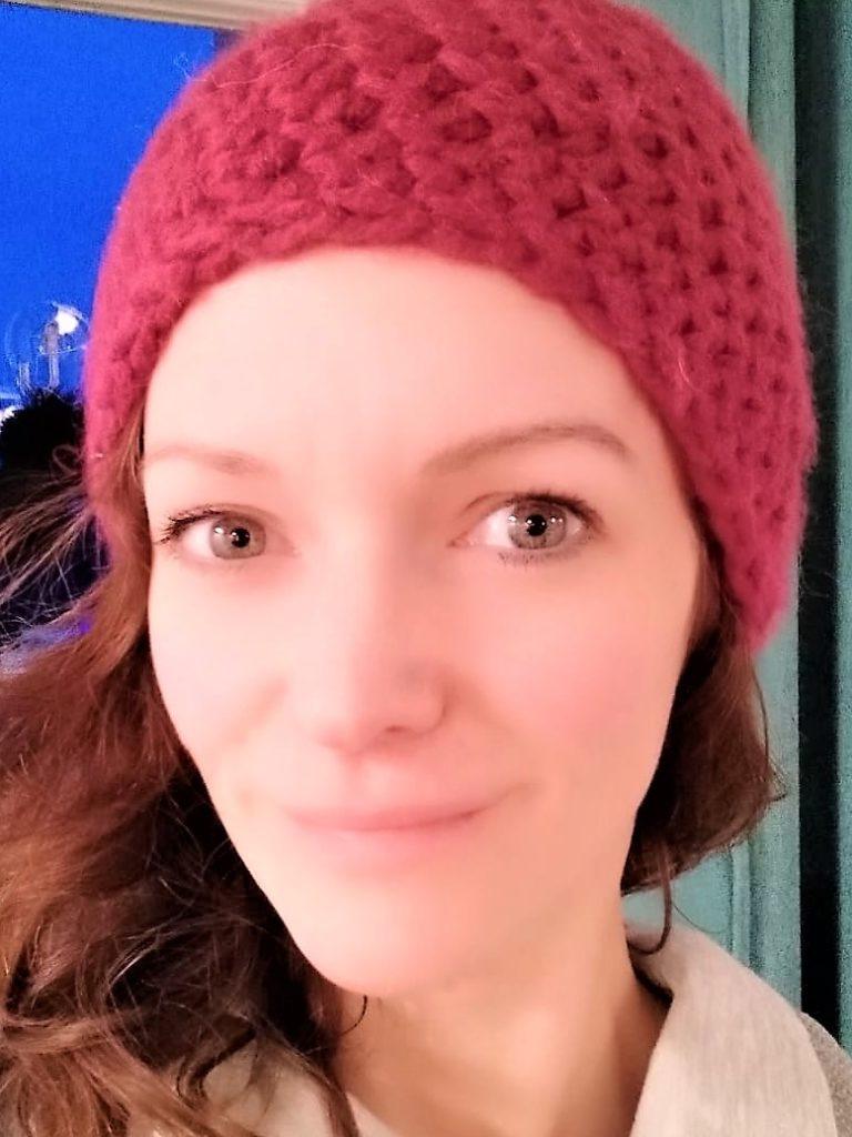 Zumba-Trainerin Sarah Lütz bändigt ihre Mähne gerne unter einer Mütze.