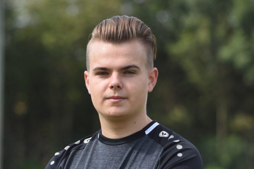 Mika Lohmann ist nicht der einzige aus seiner Familie, der im Verein Fußball spielt.