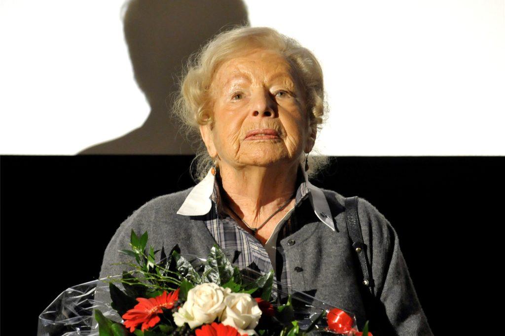 Marga Spiegel überlebte mit der Hilfe von Bauern aus Nordkirchen, Südkirchen, Ascheberg und Werne mit ihrer Familie den Holocaust. 2014 ist sie im Alter von 101 Jahren gestorben.