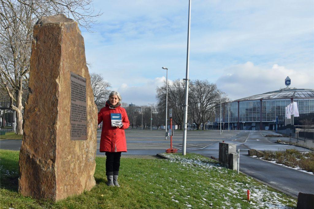 Die Dortmunder Historikerin Regina Mentner (61) forschte 18 Jahre in ihrer Freizeit zum Kriegsgefangenenlager der Westfalenhalle.