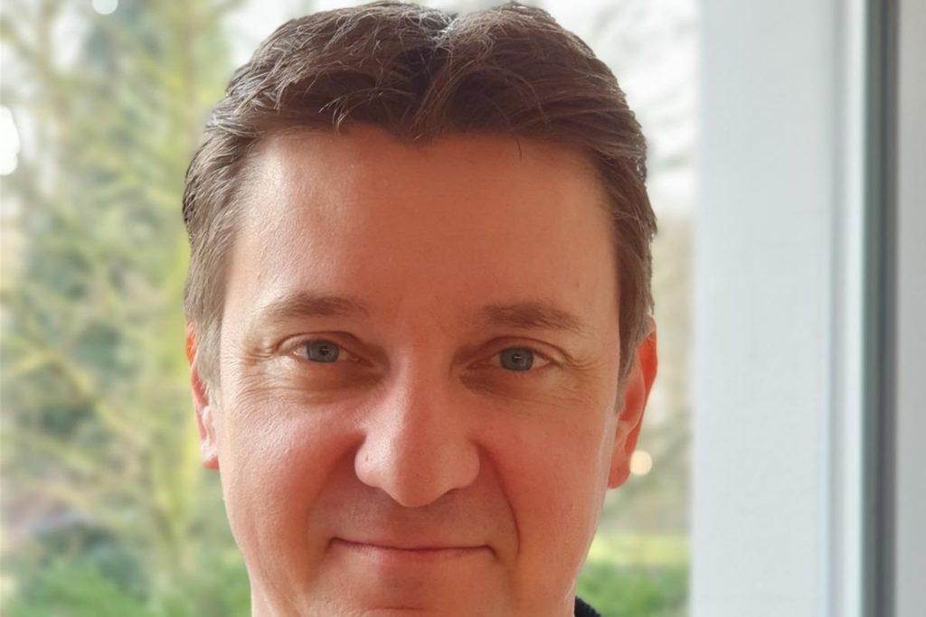 Bürgermeister Rajko Kravanja hat Glück: Seine Mutter ist Friseurin und kann ihrem Sohn deshalb privat die Haare schneiden.