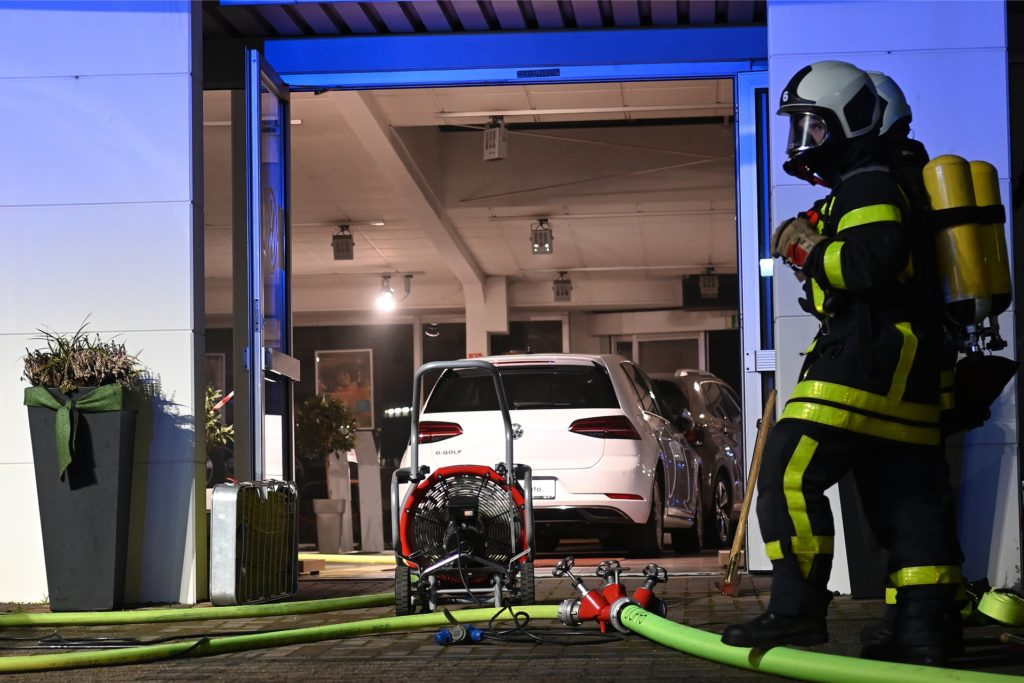 Feuer Autohaus Köpper Tiemeyer Dorsten