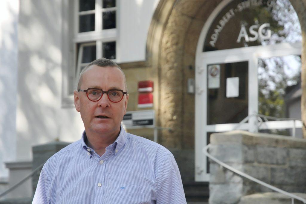 ASG-Schulleiter Joachim Höck steht der Neu-Regelung des Distanzunterrichts offen gegenüber.