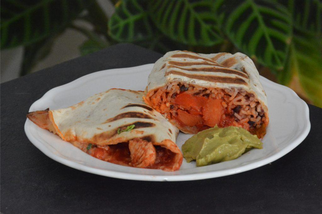 Burritos mit Reis gibt es in Mexiko übrigens kaum - in den USA ist dieses Gericht deutlich verbreiteter.