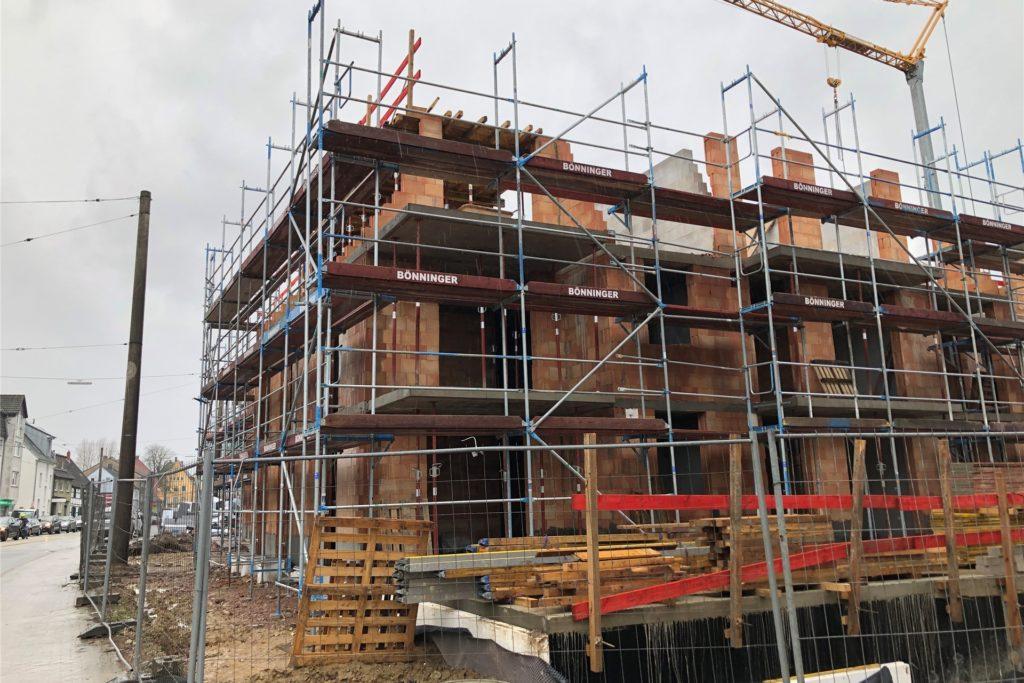 Auch am Brackeler Hellweg entstehen in einem ersten Bauabschnitt drei Häuser. Weitere sollen folgen, sobald die Baugenehmigung vorliegt