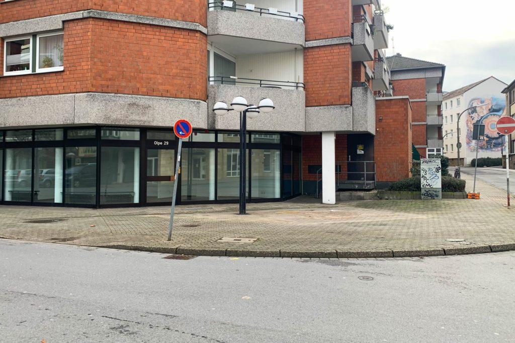 Ein Beleuchtungsladen in der Dortmunder Innenstadt schließt den Einzelhandel. Mit Corona habe die Schließung laut Inhaber jedoch nichts zu tun.