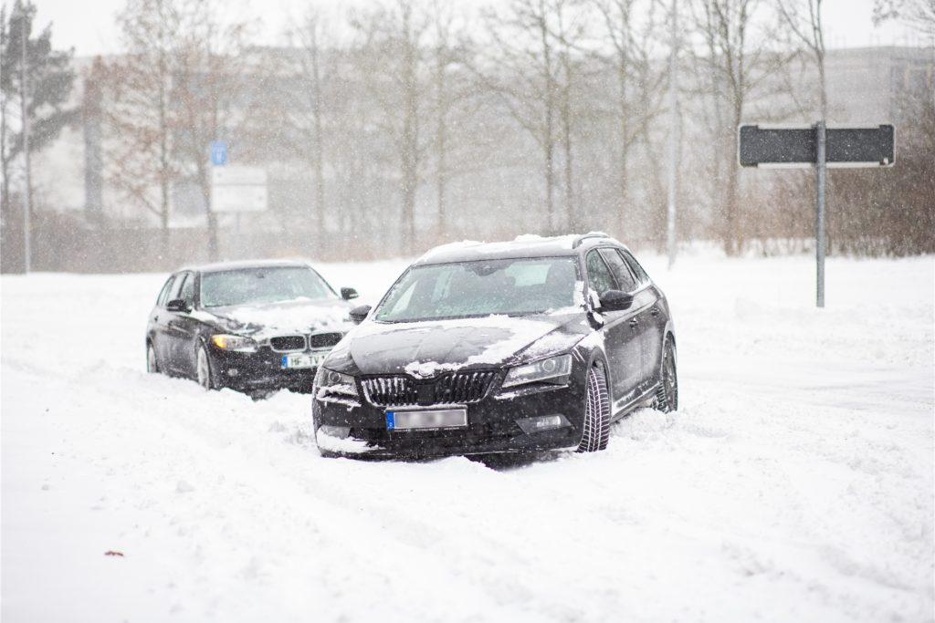 Der Deutsche Wetterdienst warnt vor Schneeverwehungen. (Symbolbild)