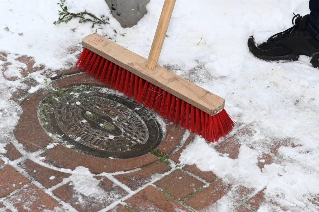 Hydrant Schnee