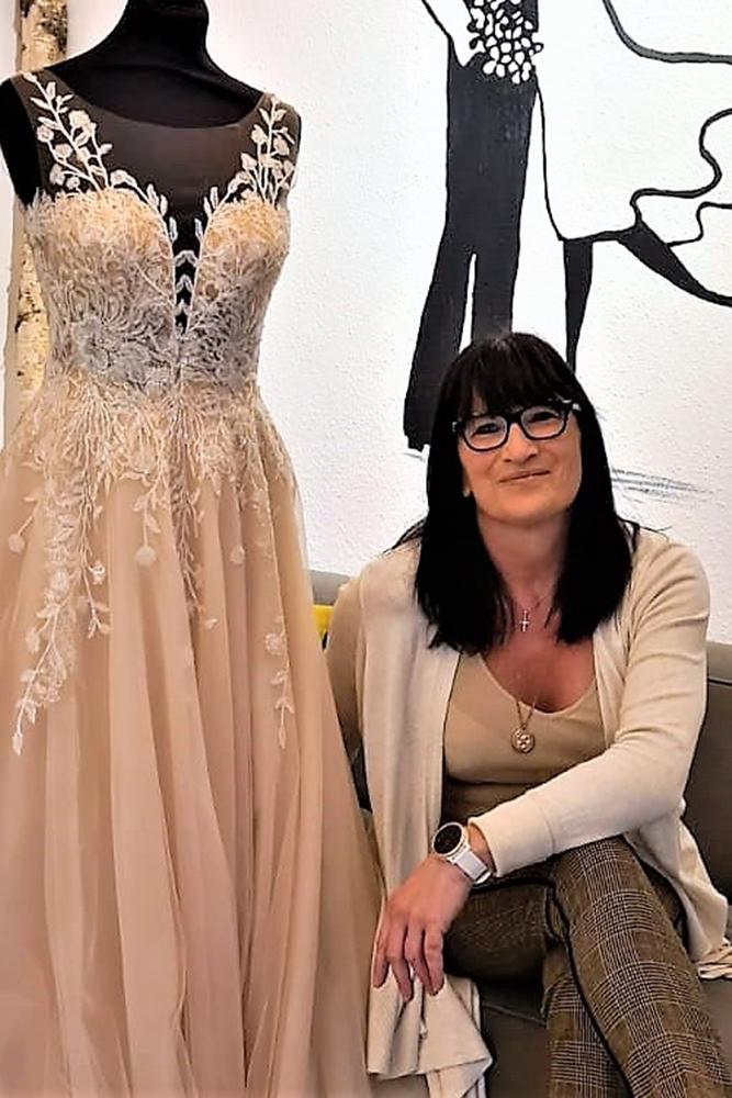 Im Martener Brautmoden-Geschäft