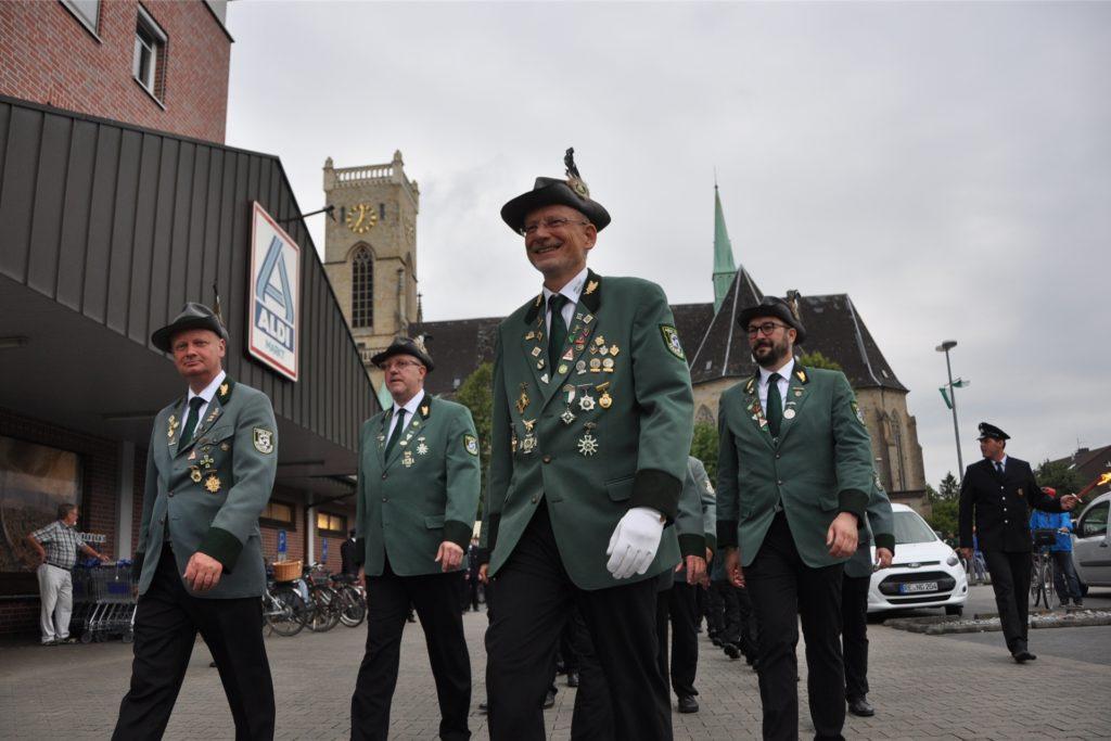 Der ABSV-Vorsitzende Udo Beckmann (im Vordergrund) sieht keine Möglichkeit, das Schützenfest 2021 steigen zu lassen.