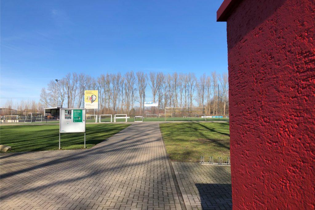 SF Brackel 61 verfügt über eine idyllisch im Grünen gelegene Anlage am Brauksweg - direkt neben der Jugendfreizeitstätte Brauks
