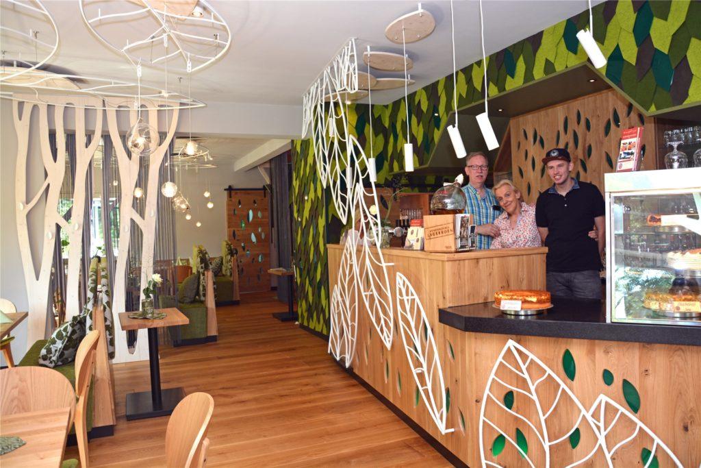Matthias, Monika und Markus Pfeiffer sind enttäuscht, dass die Gastronomie immer noch nicht öffnen darf.