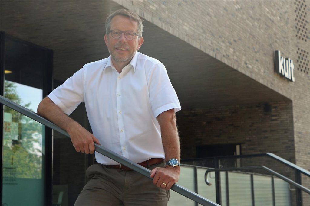 Vredens Citymanager Jörg Lenhard freut sich, dass er zwei Leerstände in der Wassermühlenstraße in Vreden füllen konnte.