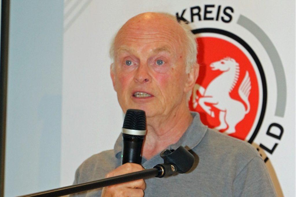 Bei Willy Westphal, Kreisvorsitzender der Fußballer und Leichtathleten, ist Zuversicht gesunken.
