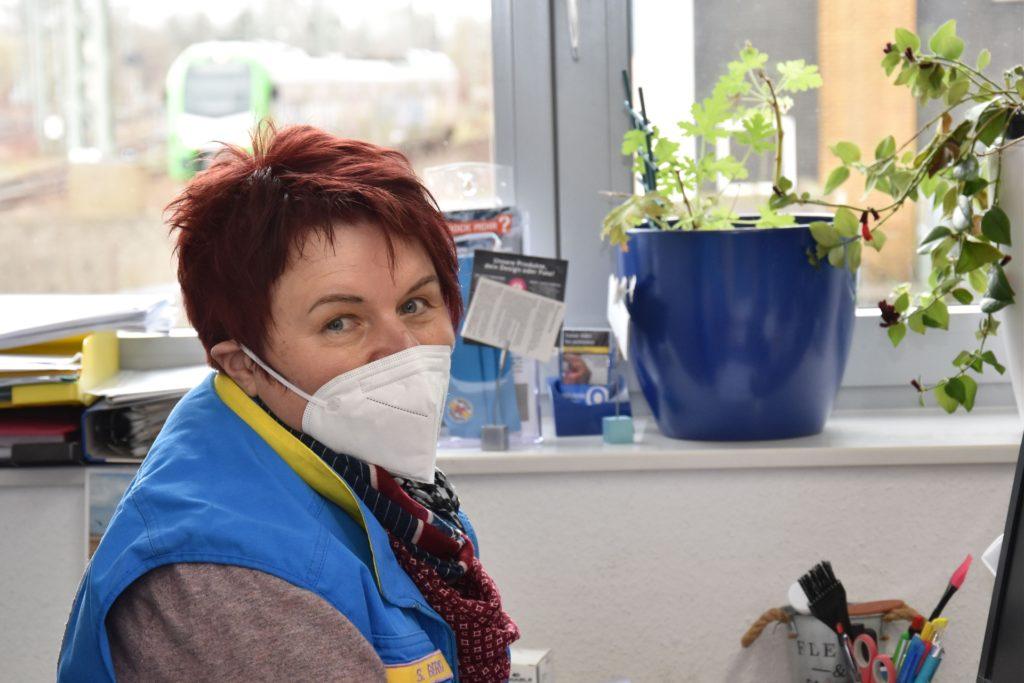 Swetlana Berg leitet die Dortmunder Bahnhofsmission. Dreizehn neue Helfer konnte sie in den vergangenen sechs Monaten für das Ehrenamt begeistern.