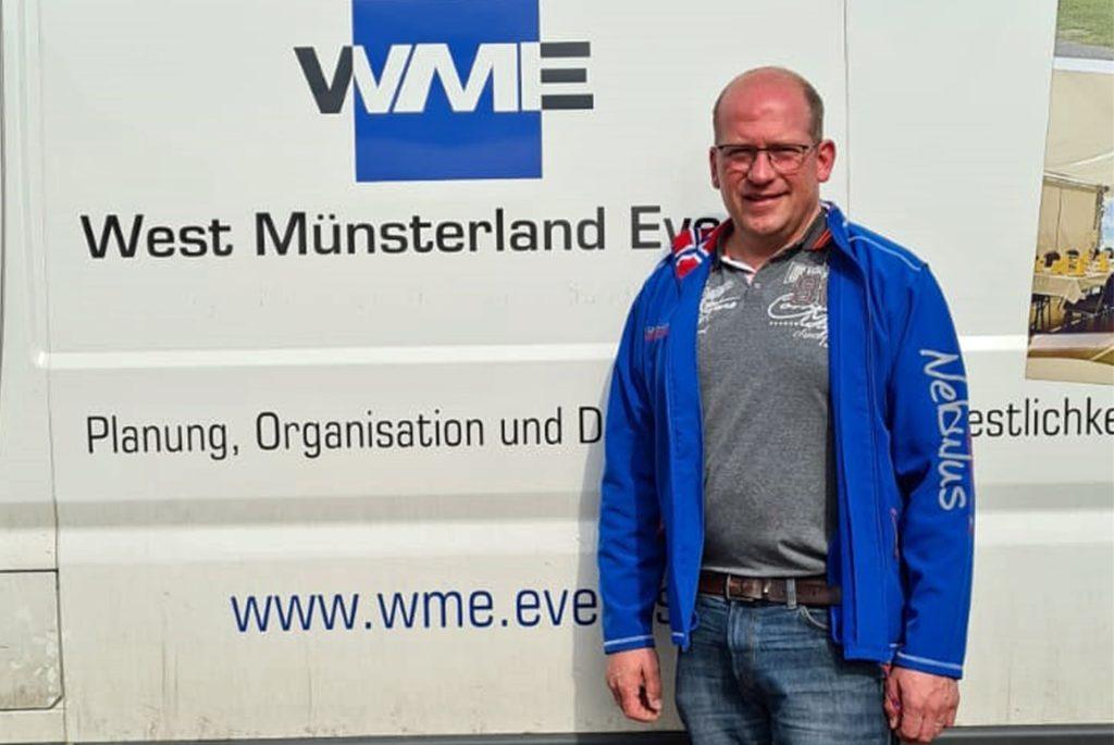 Jochen Terbeck und sein Unternehmen Westmünsterland Events sorgen für die Infrastruktur der Teststationen in Südlohn und Oeding. Er und seine Mitarbeiter sind, beziehungsweise werden geschult, um die Test-Abstriche fachgerecht vornehmen zu können.