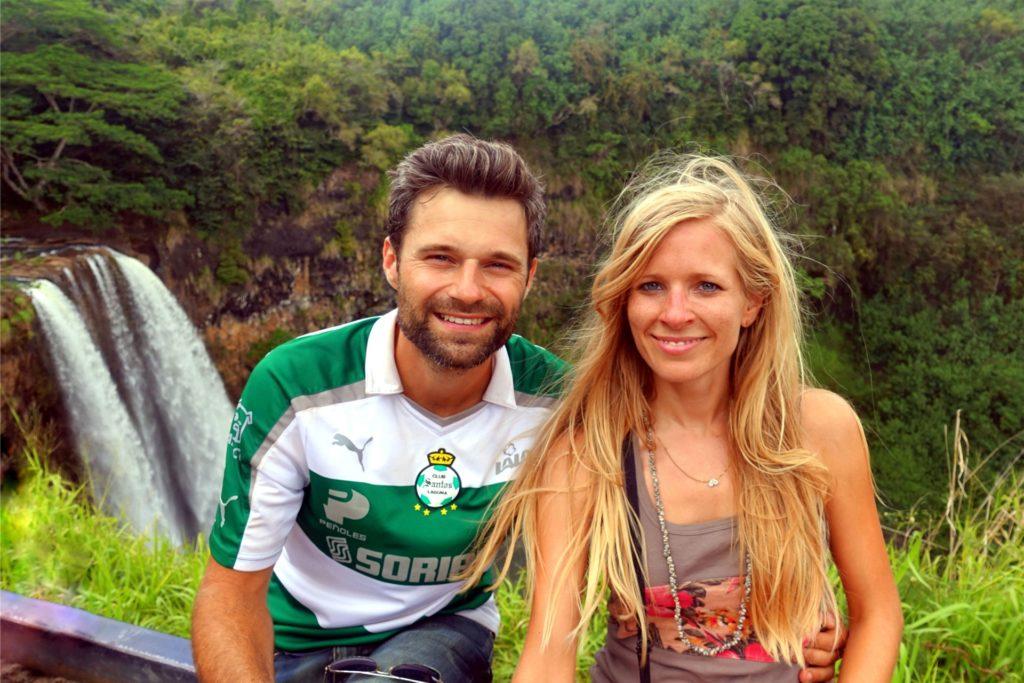 Peter und Svenja Reidelbach während ihrer Campervan-Tour.