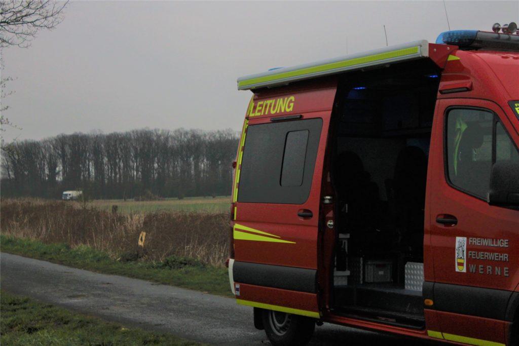 Auf dem Feld im Hintergrund fand die Detonation der zwei unbekannten Chemikalien statt.