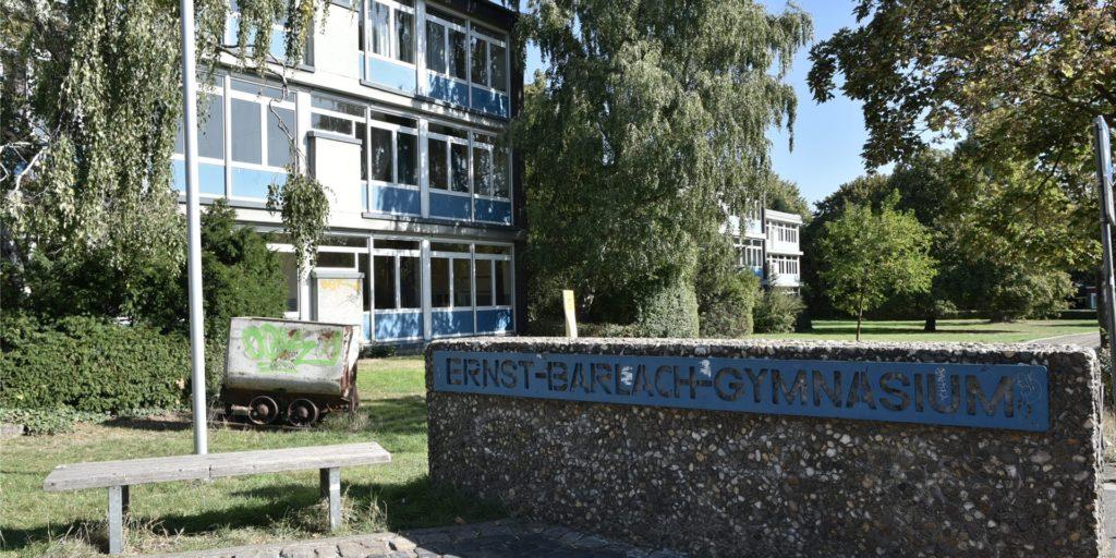 Schüler des Ernst-Barlach-Gymnasiums in Castrop-Rauxel starten am Freitag mit den Abitur-Prüfungen.