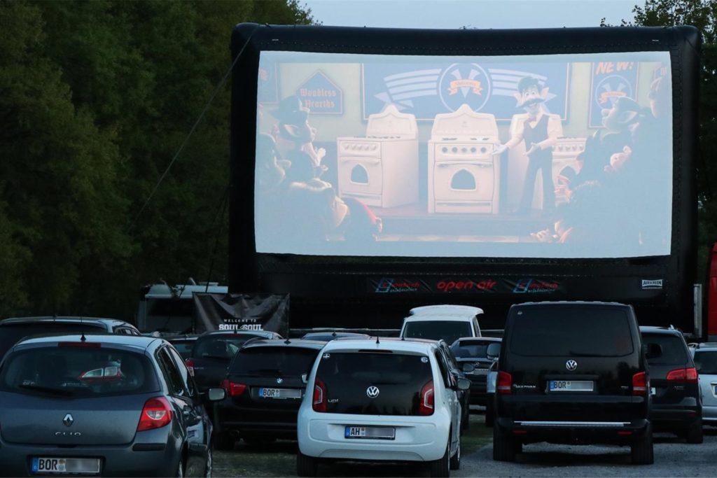 Das Cinetech-Autokino auf dem Ahauser BBS-Parkplatz an der Fürstenkämpe war ein voller Erfolg. Dominik Paffrath macht nun Hoffnungen auf mehr.