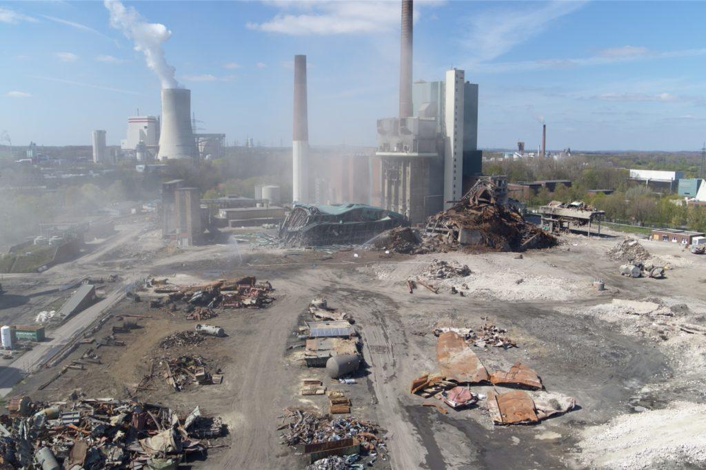 Die Denox-Anlage nach der Sprengung.