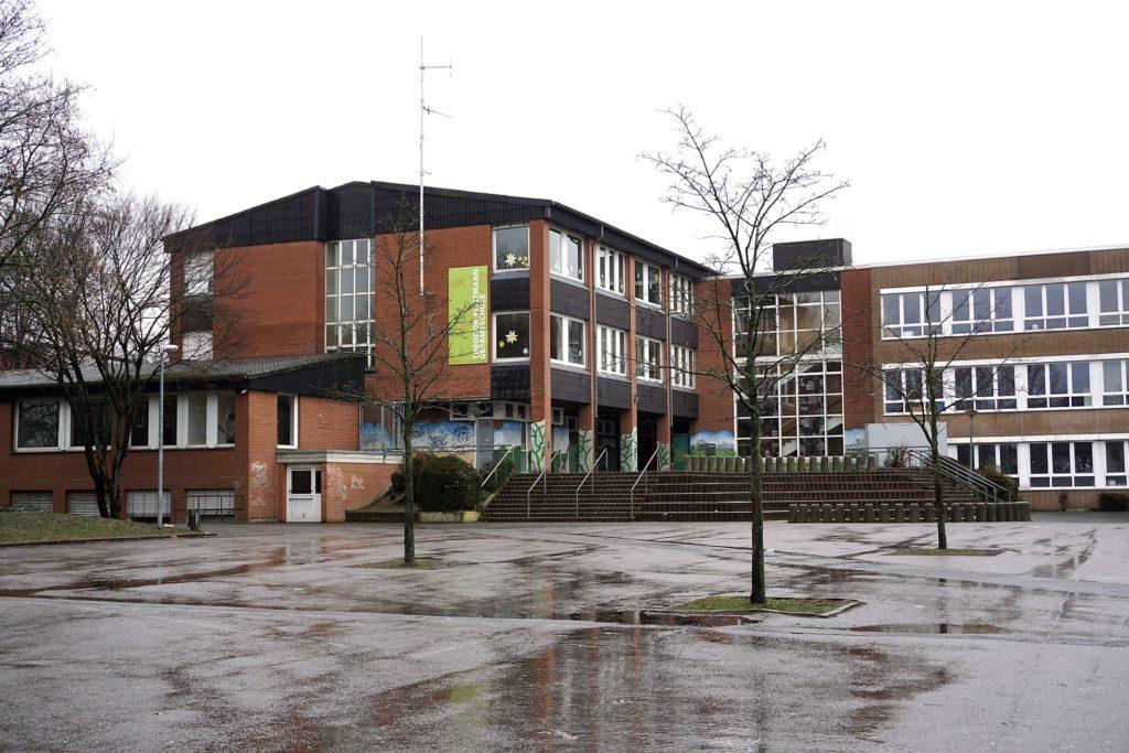Die jetzigen Gebäude der Theodor-Fleitmann-Gesamtschule am Holzener Weg wurden früher von einer Haupt- und einer Realschule genutzt.