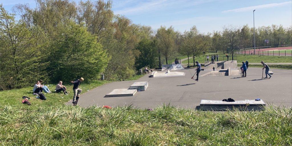 Der Skatepark am Bärenbruch: Dort kontrollieren Polizei und Ordnungsamt. Jetzt wurden dort zwei Männer mit Drogen erwischt.