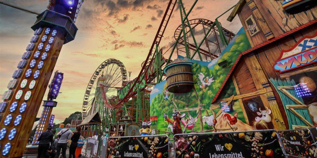 Im Corona-Sommer 2020 stellten die Schausteller in Dortmund kurzfristig vor den Westfalenhallen den Freizeitpark FunDOmio auf die Beine. Ist das auch in diesem Jahr wieder möglich?
