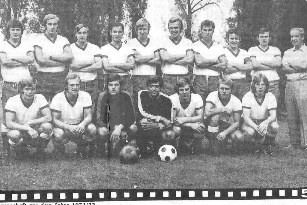 Die Mannschaft des Lüner SV aus dem Jahr 1971/72 mit Trainer Werner Nagerski (hinten rechts)