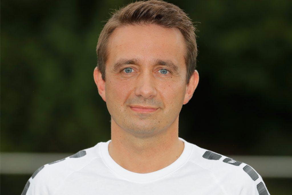 Daniel Dukic, Sportlicher Leiter von Westfalia Wickede, blockt direkt ab, wenn ein Spieler mit einem Berater ankommt.