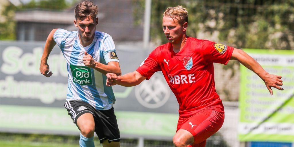 Philipp Hanke (r.) wird demnächst in der Regionalliga West auflaufen.