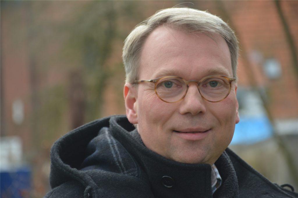"""Pfarrer Stefan Jürgens aus Ahaus ist einer der Geistlichen, die die Aktion """"Liebe gewinnt"""" ins Leben gerufen haben."""