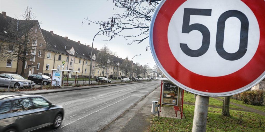 Für Radfahrer ist die Situation an der Kemminghauser Straße nicht optimal. Das will die Bezirksvertretung Eving auf Antrag der Grünen ändern