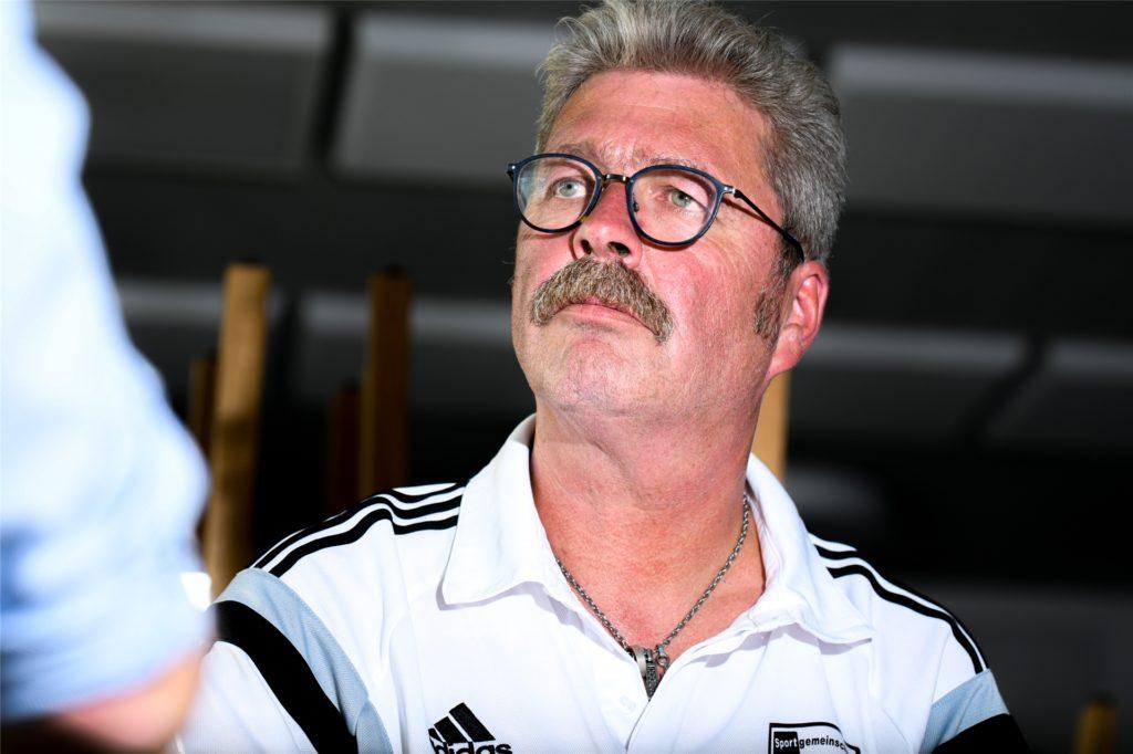 Norbert Hanning wäre skeptisch, wenn ein Spieler mit Berater bei ihm aufkreuzt.