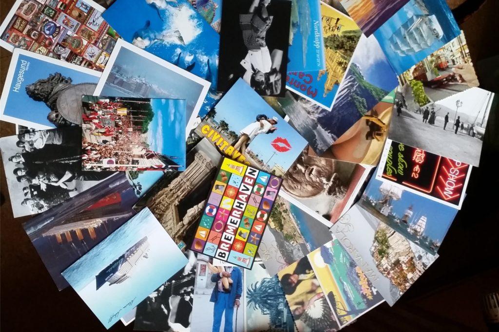 """Beim Projekt """"Postcards"""" geht es um kurze Geschichten, die auf einer Postkarte Platz finden."""