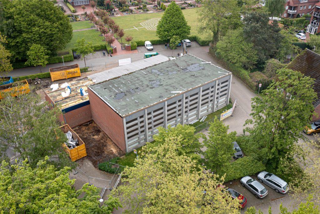 Über 55 Jahre hat die Turnhalle der Andreasschule in Wüllen auf dem Buckel. Jetzt wird sie abgerissen und macht Platz für einen größeren Neubau.