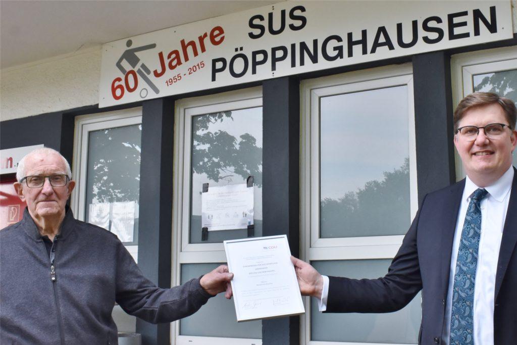 Die Laudatio auf Manfred Goerke (l.) schrieb der CDU-Fraktionsvorsitzende Michael Breilmann.