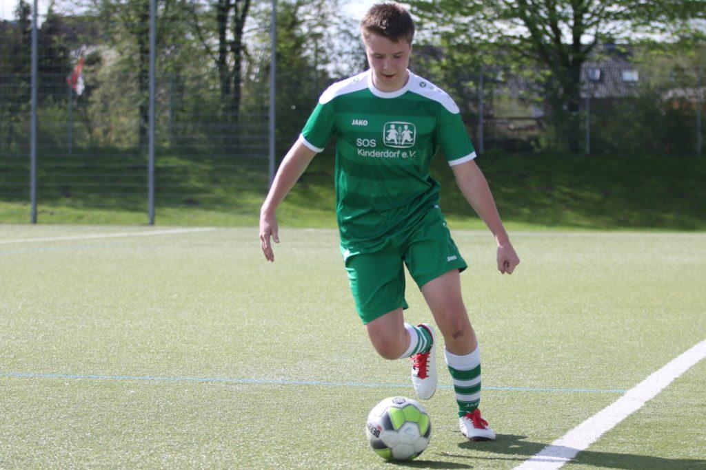 Leon Breuer, hier noch als B-Junior, verstärkt die Bezirksliga-Mannschaft des SuS Olfen in der neuen Saison.